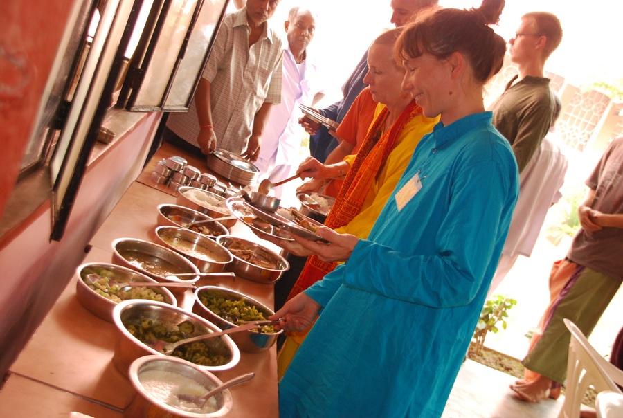 India retreat chakra sadhana