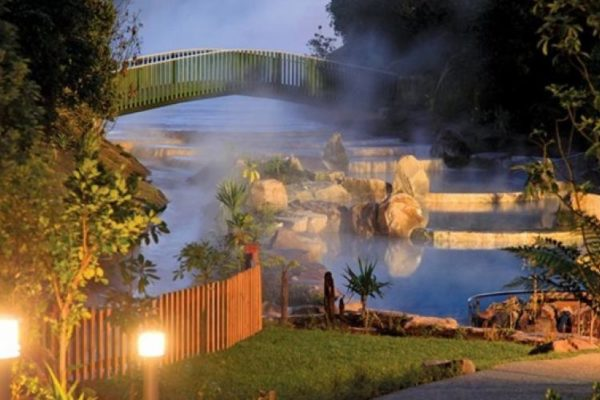 Wairakei Terraces hot pools